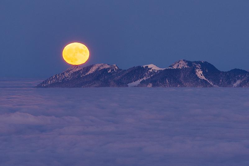 Kochel, Supermond, Mond, Simetsberg, Walchensee; Berge, Landschaft, Wolken, Nebel